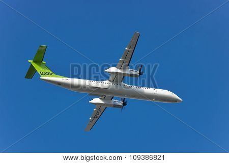 Air Baltic Dhc-8