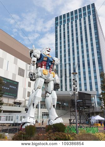 Huge Robot In Odaiba