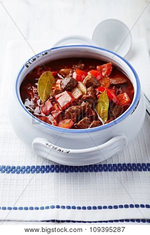 Beef and red pepper goulash