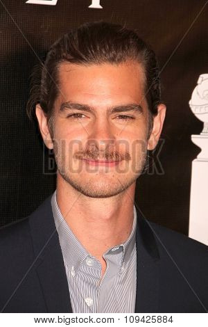LOS ANGELES - AUG 13:  Andrew Garfield at the HFPA Hosts Annual Grants Banquet - Arrivals at the Beverly Wilshire Hotel on August 13, 2015 in Beverly Hills, CA