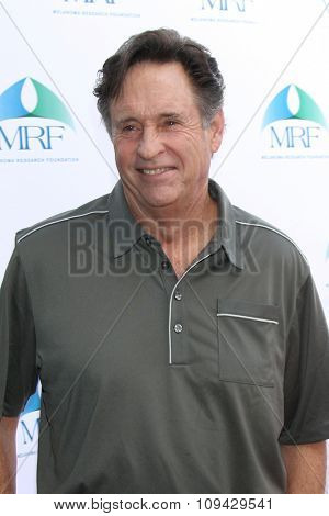 LOS ANGELES - NOV 10:  Robert Hays at the Third Annual Celebrity Golf Classic to Benefit Melanoma Research Foundation at the Lakeside Golf Club on November 10, 2014 in Burbank, CA