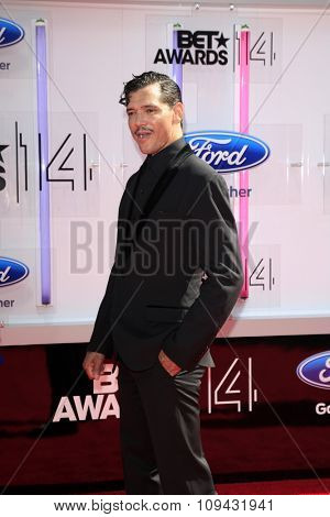 LOS ANGELES - JUN 29:  El DeBarge at the 2014 BET Awards - Arrivals at the Nokia Theater at LA Live on June 29, 2014 in Los Angeles, CA
