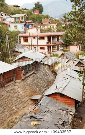 Rooftop view in old Manali town, India.