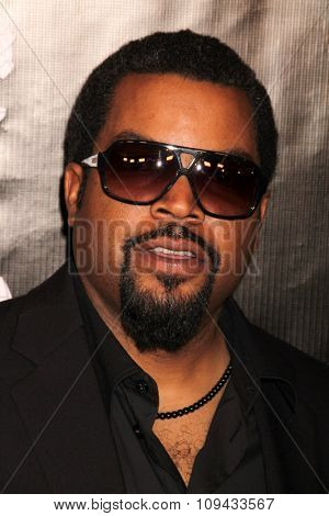 LOS ANGELES - AUG 13:  Ice Cube at the HFPA Hosts Annual Grants Banquet - Arrivals at the Beverly Wilshire Hotel on August 13, 2015 in Beverly Hills, CA