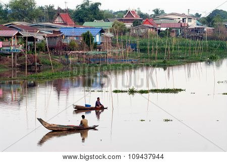 Thai Traditional Fisherman In River.