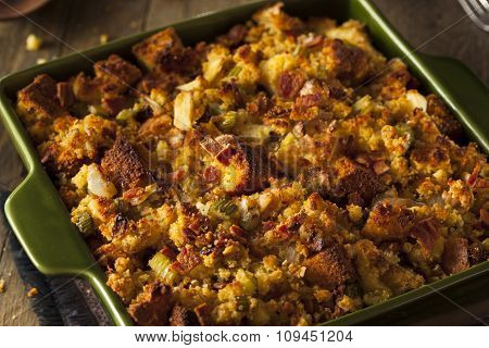 Traditional Homemade Cornbread Stuffing
