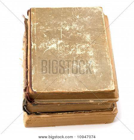 zerfetzten Buch Stapel isoliert auf weißem Hintergrund