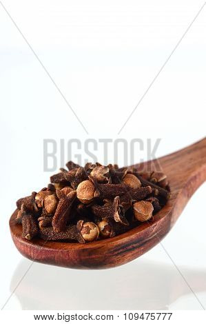 Close up of Cloves in spoon