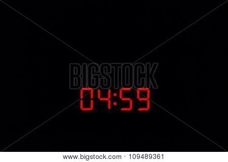 Digital Watch 04:59
