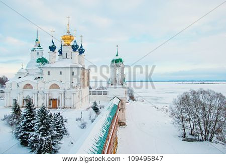 Rostov Veliky in winter