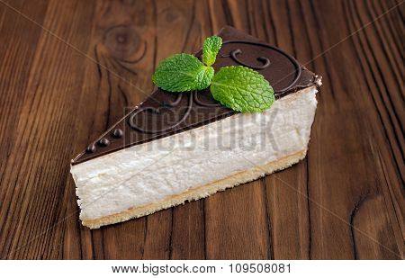Cheesecake With Chocolate And Mint