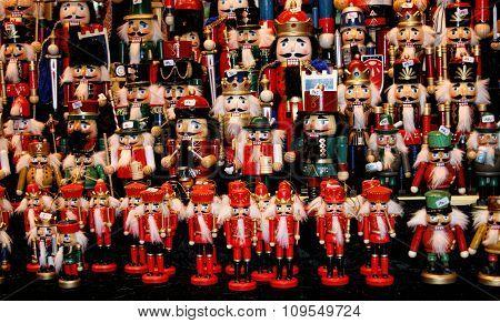 Multicolor Nutcraker army