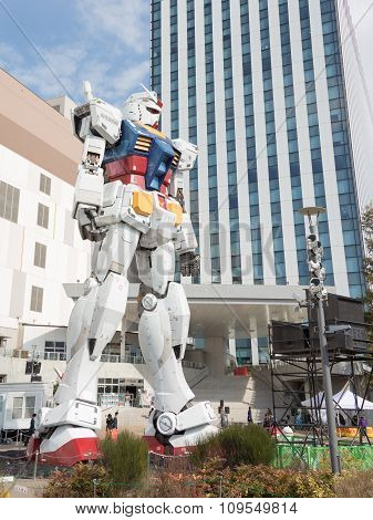 Huge Fantastic Robot Transformer In Odaiba