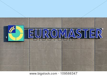 Euromaster logo on a wall