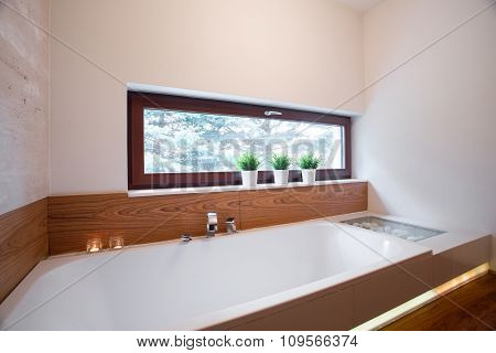 Comfortable Bath In Elegant Bathroom