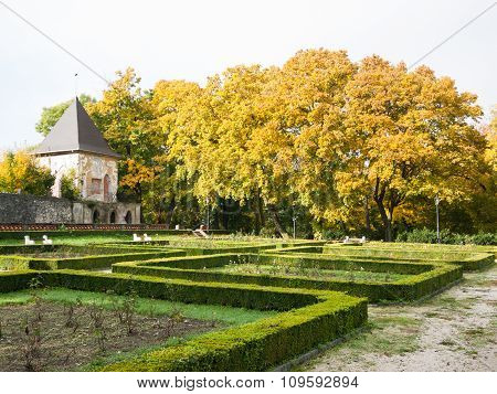 Old Chateau Garden