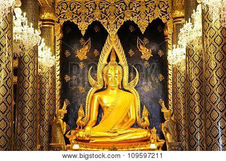 Phra Buddha Chinnarat At Phra Si Rattana Mahathat Temple ,phitsanulok Province, Thailand
