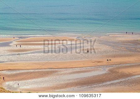 Sand, Sea, People