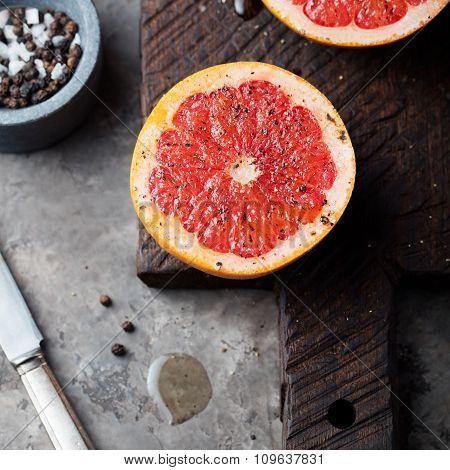Fresh grapefruit caramelized with sugar and spices