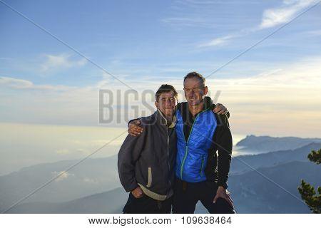 Hiker's Friendship