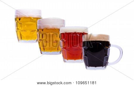 Beer mugs with different overlapping