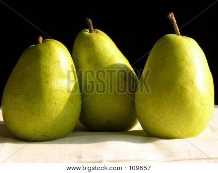 Three Pears2