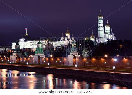 Kremlin_At Night