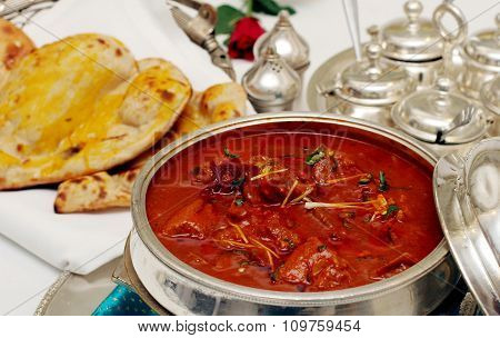 Awadhi mutton curry