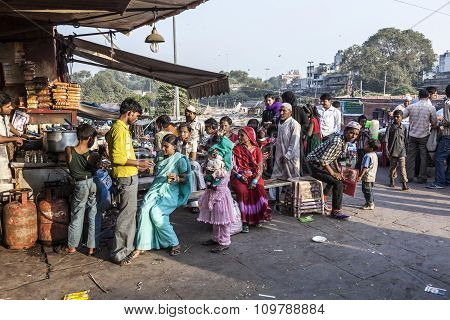 People At The Meena Bazaar