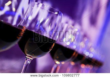 Nightclub red wine glasses