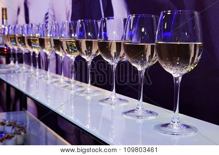 Party white wine glasses