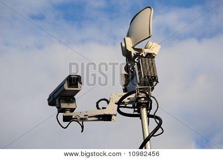 News Truck Satellite