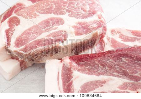Raw Prok Neck Chops