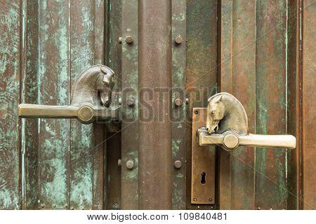 horse head door handles