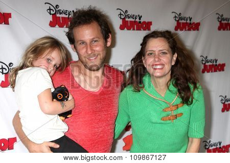 LOS ANGELES - OCT 18:  Goldie Priya Lee, Ben Lee, Ione Skye at the