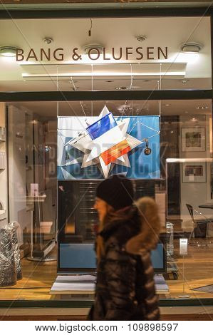 Electronics Store Bang And Olufsen With French Flag Following Paris Attacks