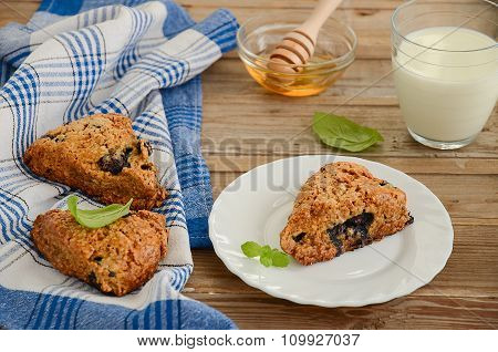 Blueberry scones with whole-wheat flour