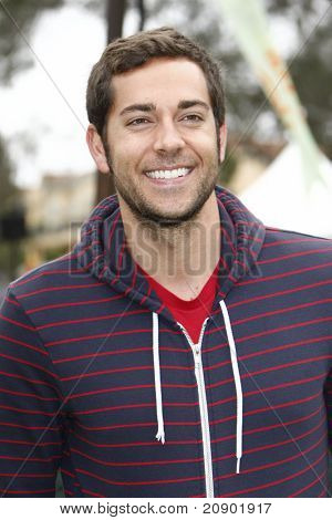 LOS ANGELES - JUN 12:  Zachary Levi arriving at the 22nd Annual 'Time for Heroes' Celebrity Picnic at Wadsworth Theater on June 12, 2011 in Westwood, CA