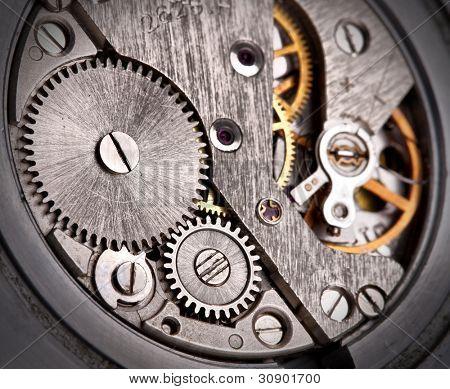 Nahaufnahme des alten Uhrwerk mit Getriebe