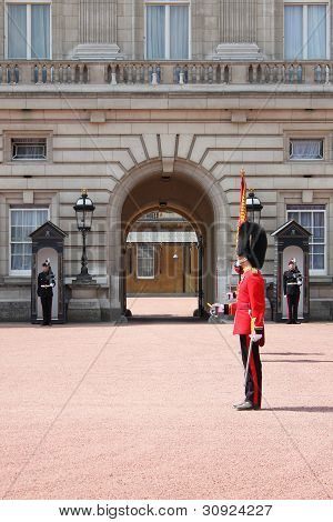 Guard change in Buckingham Palace