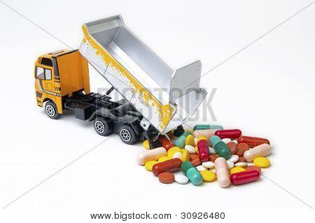 Camión descargando drogas