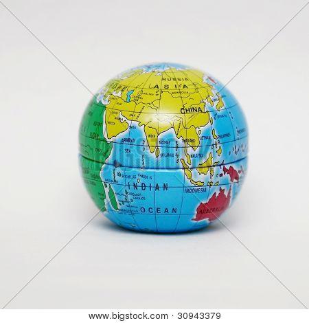 Close-Up do globo sobre fundo branco