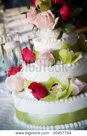 Wedding cake with flowers, shallow depth of field