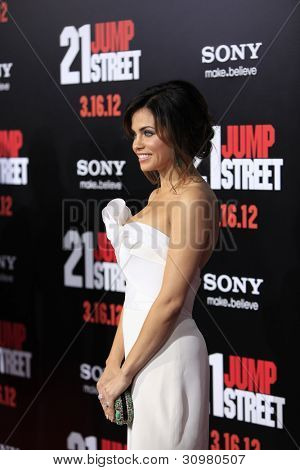 LOS ANGELES - MAR 13:  Jenna Dewan arrives at the