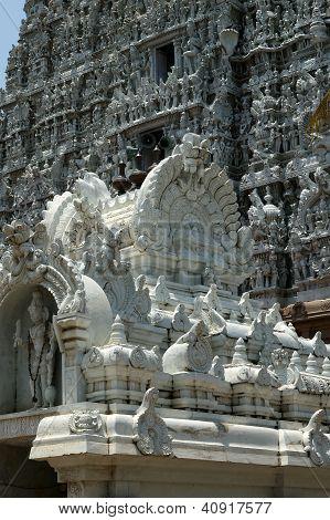 Suchindram Temple Dedicated To The Gods Shiva, Vishnu And Brahma, Protected By Unesco. Kanniyakumari