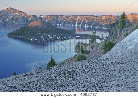 Lago de cratera Sunrise