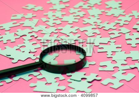 Magnifying Glass Puzzle