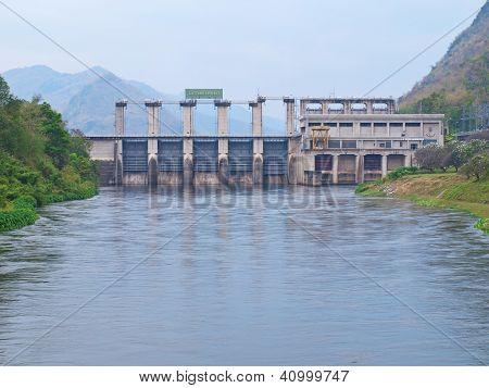 Tha Tung Na Dam