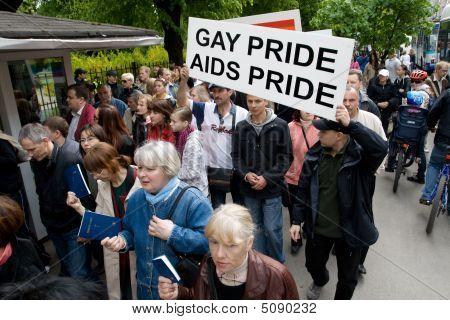 Protestors Against Riga Pride 2009