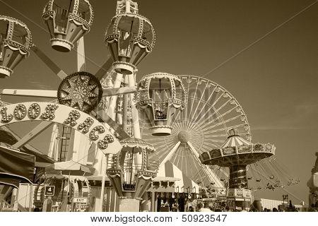 Amusement park rides